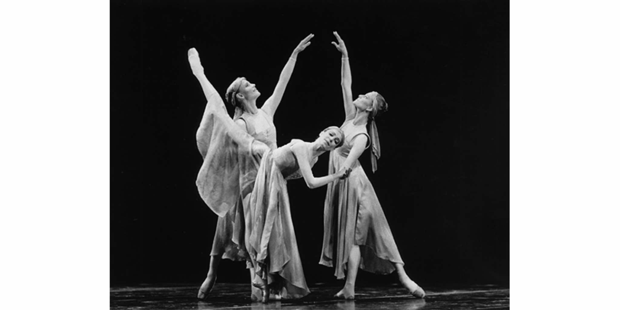 "Evelyn Hart, Patti Caplette and Elizabeth Olds in Brian Macdonald's ""Steps for the Royal Winnipeg Ballet"", c. 1987 / Photo: David Cooper, Dance in Canada Photo Collection"